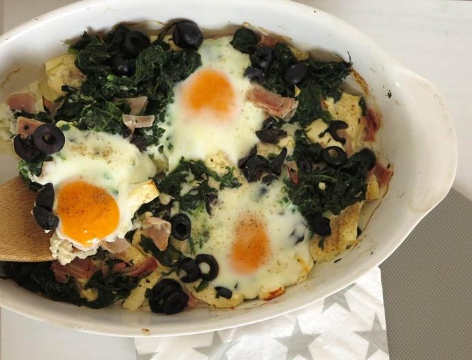 Spinat Feta Auflauf mit Ei und saftigem Schinken