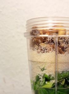 Basilikum Pesto ganz einfach im Mixer zubereiten