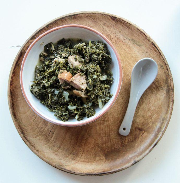 Deftiges Low Carb Grünkohl Rezept mit Kochwurst
