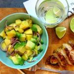 Low Carb Salat mit Mango und Avocado
