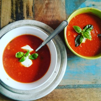 Low Carb Tomatensuppe aus Tomaten, Möhren und Zucchini