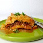 Low Carb Lasagne mit Zucchiniplatten, Hackfleisch, Möhren und saftigen Tomaten
