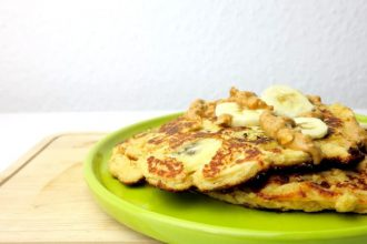 Low Carb Pfannkuchen ohne Mehl mit Bananen- oder Apfeltopping