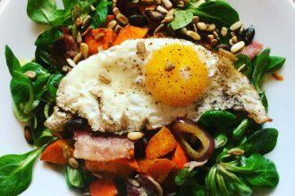 Herbstlicher Salat mit Kürbis und Bacon