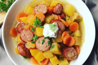 Steckrübeneintopf mit Möhren und Kochwurst - Low Carb Rezept