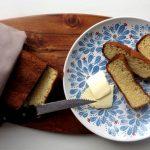 Knuspriges und innen fluffiges Low Carb Weißbrot mit Kokosmehl und Flohsamenschalen