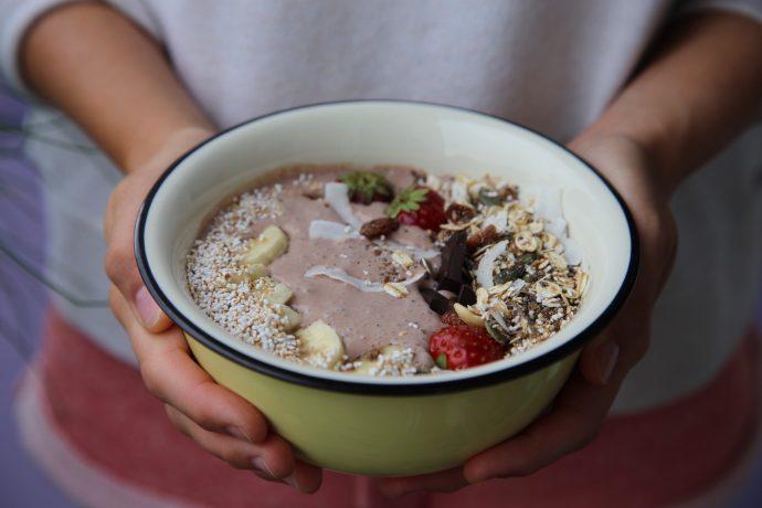 griechischer joghurt schokolade low carb breakfast twinfit. Black Bedroom Furniture Sets. Home Design Ideas