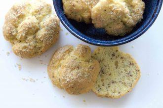 Ofenfrische Low Carb Brötchen mit Sojamehl