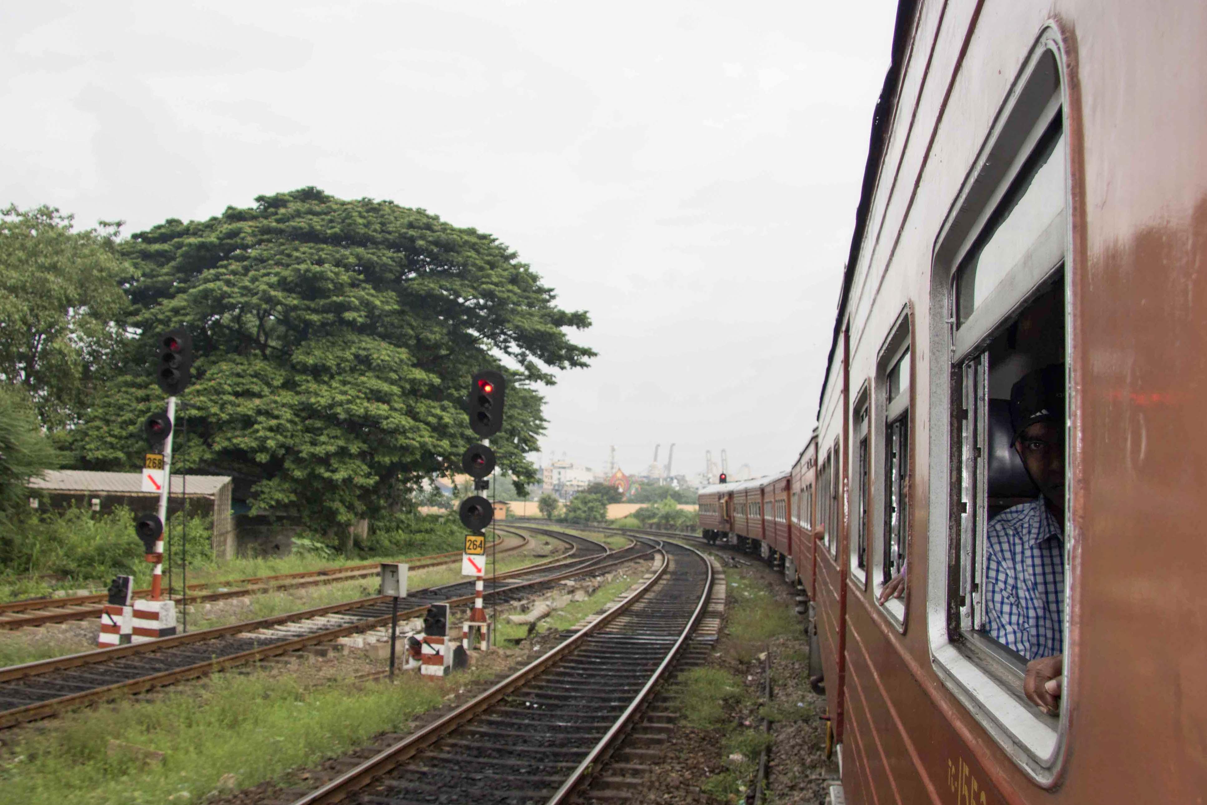 Zugfahrt von Colombo Fort nach Kandy