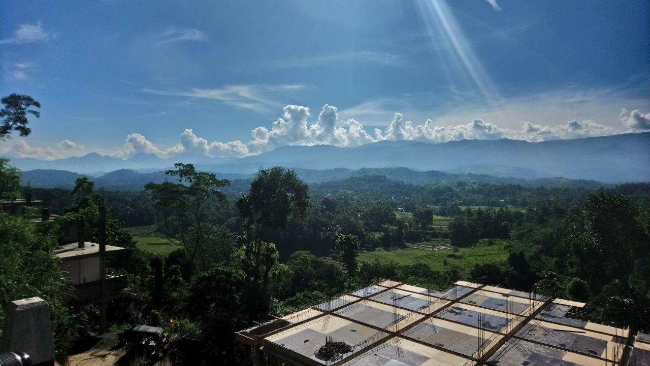 Kurzer Stopp auf dem Weg von Kandy nach Sirigiya