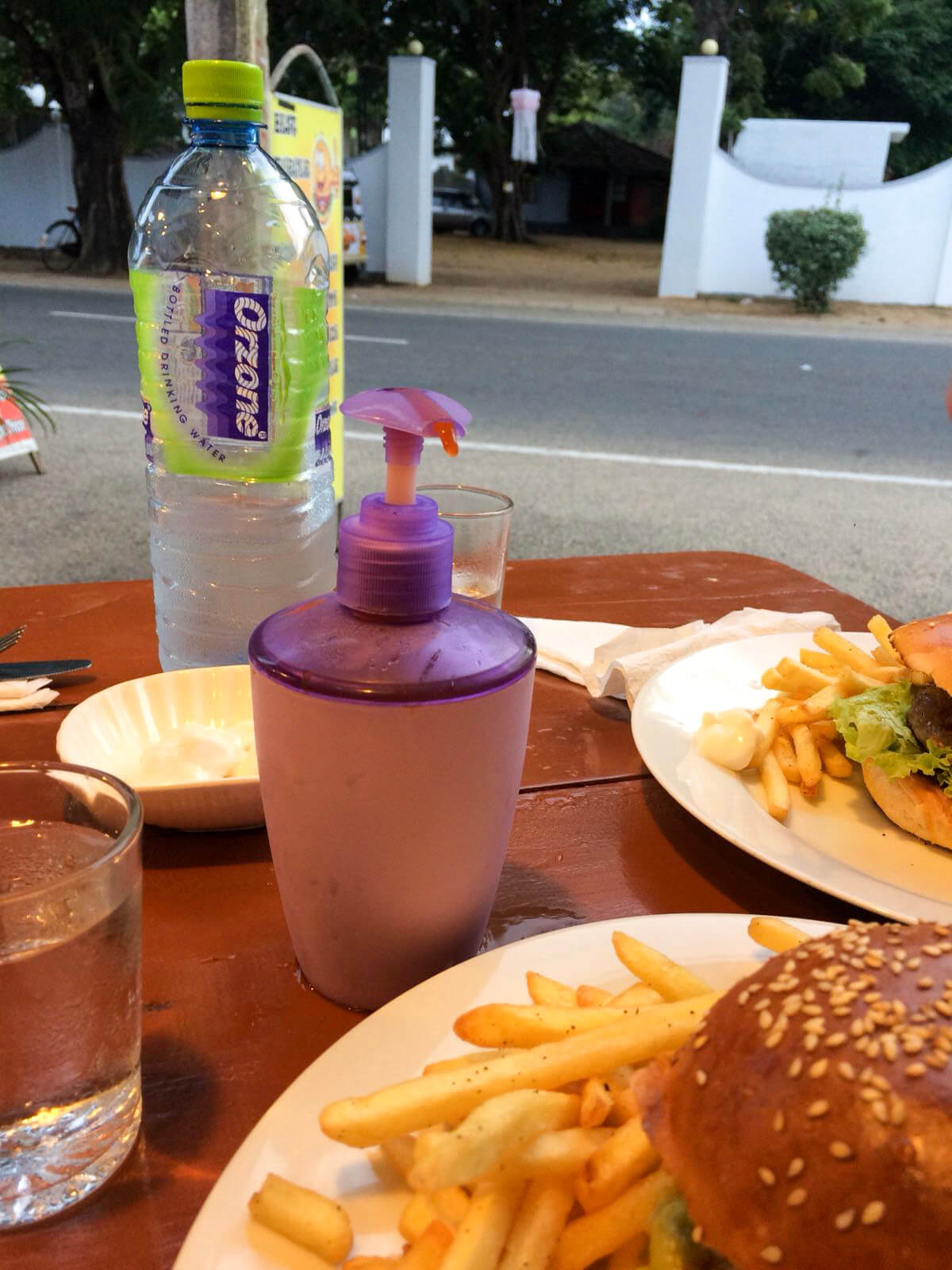 Ketchupspender in Sri Lanka :)