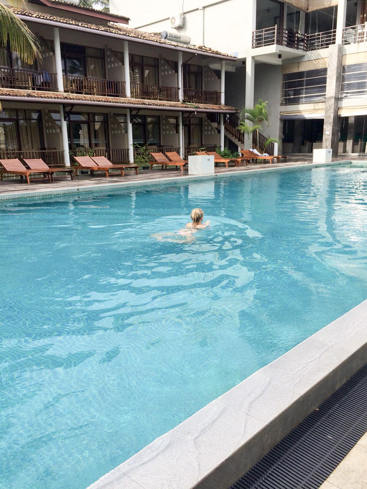 Pool des Paradise Hotels in Mirissa - Wir haben hier nur den Pool benutzt :p
