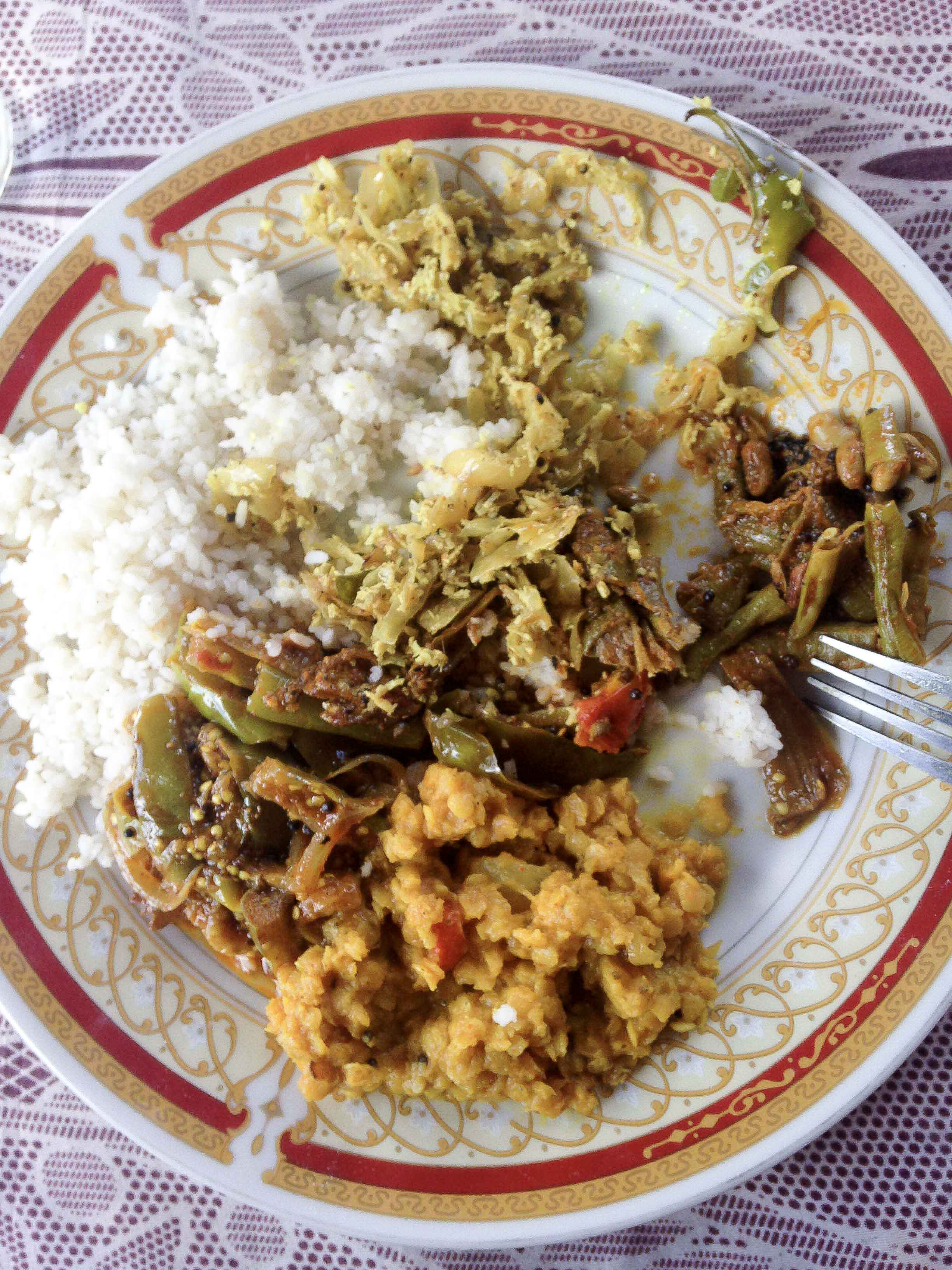Traditionelles Curry in Sri Lanka - sehr scharf :/