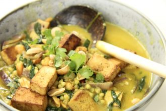 Vegan Curry Low Carb mit dem Superfood Buchweizen und Tofu
