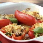 Gefüllte Paprika mit Hähnchen in Low Carb Version mit Champignons, Frühlingszwiebeln und Sahne