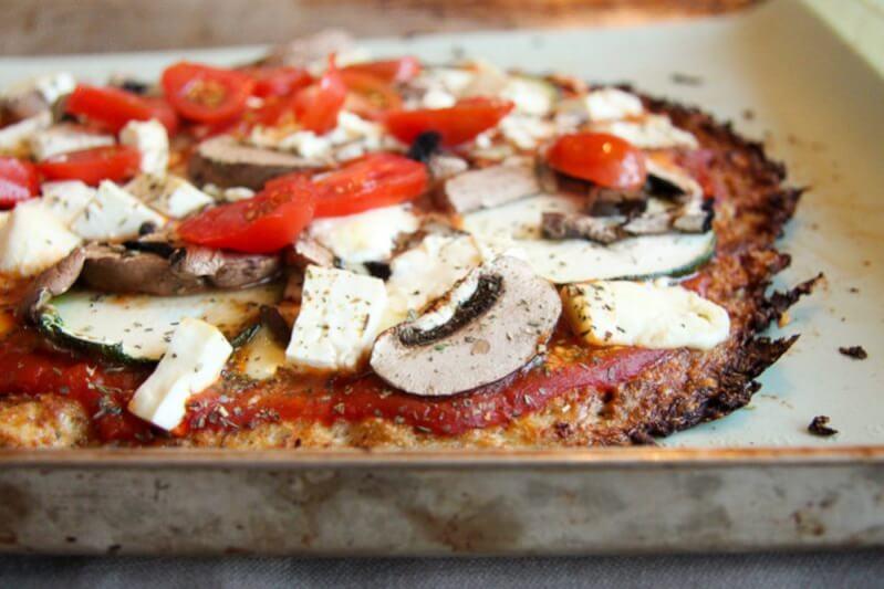 Blumenkohl Pizzateig Mit Frischem Gemüse Feta Twinfit