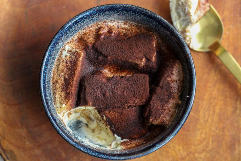 Cremiges Low Carb Tiramisu ohne Löffelbiskuit & Zucker